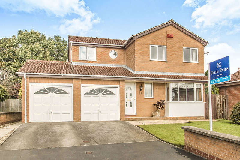 4 Bedrooms Detached House for sale in Landseer Avenue, Tingley, Wakefield, WF3