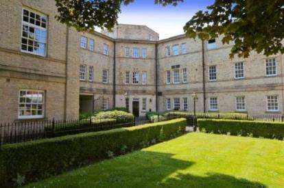 1 Bedroom Flat for sale in Parklands Manor, Chaloner Grove, Wakefield, West Yorkshire