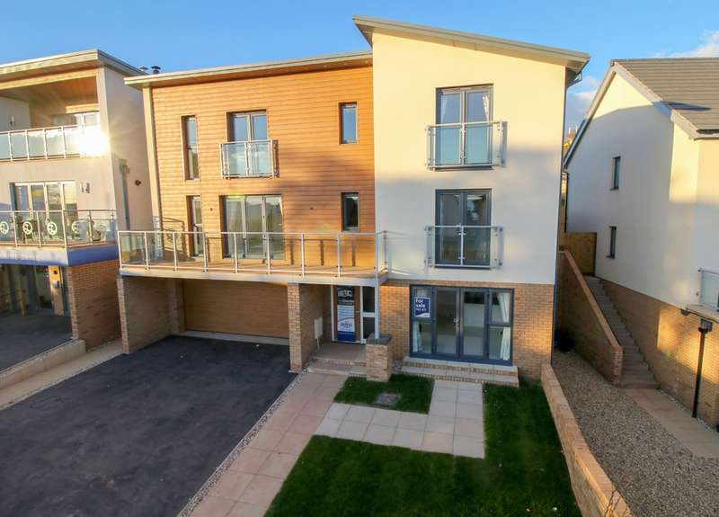5 Bedrooms Detached House for sale in Marine Drive, Teignmouth