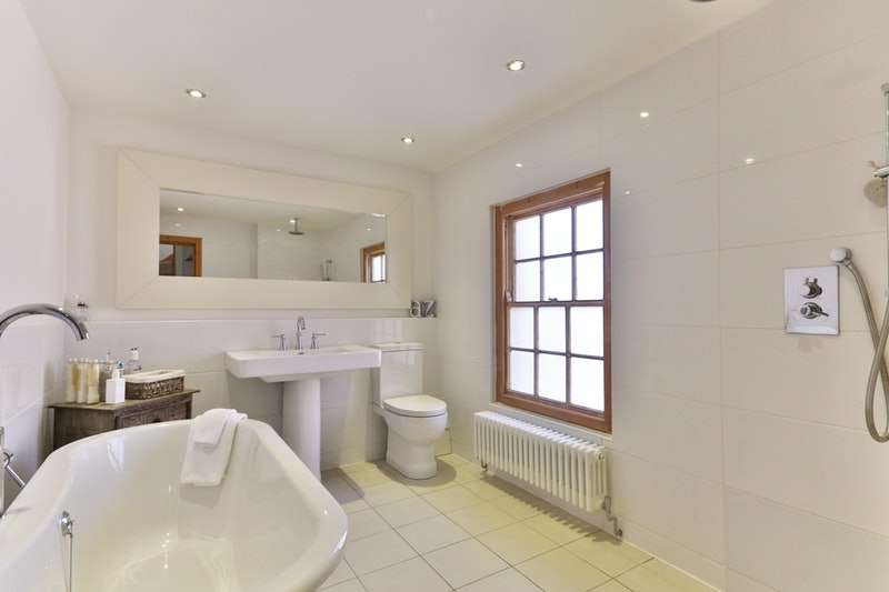 3 Bedrooms Terraced House for sale in King Street, Mold, Flintshire, CH7
