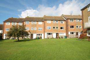 2 Bedrooms Maisonette Flat for sale in Holmes Avenue, Hove, East Sussex