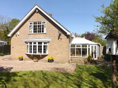 4 Bedrooms Detached House for sale in Saltfleet Road, Theddlethorpe, Lincolnshire