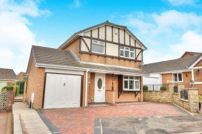 3 Bedrooms Detached House for sale in Clockhouse Court, Burnley, Lancashire, Burnley