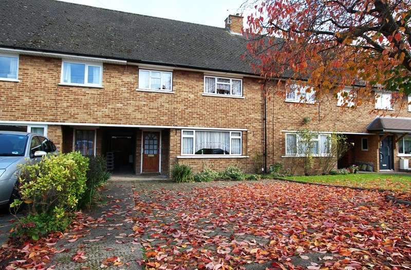 3 Bedrooms Property for sale in Rendlesham Road, Enfield