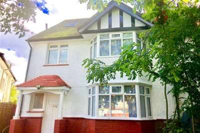 5 Bedrooms House for rent in Whitchurch Lane, Edgware