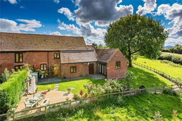 4 Bedrooms Mews House for sale in Abbey Barn, Lodge Road, Telford, Shropshire