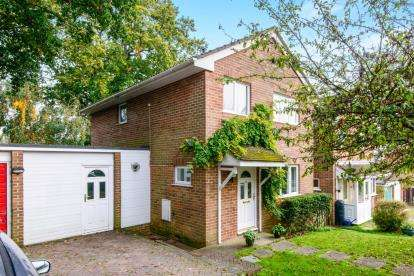 3 Bedrooms Detached House for sale in Colden Common, Hampshire, Winchester