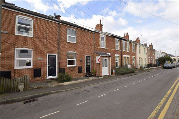 2 Bedrooms Terraced House for sale in Upper Bath Street, LECKHAMPTON, GL50 2BA