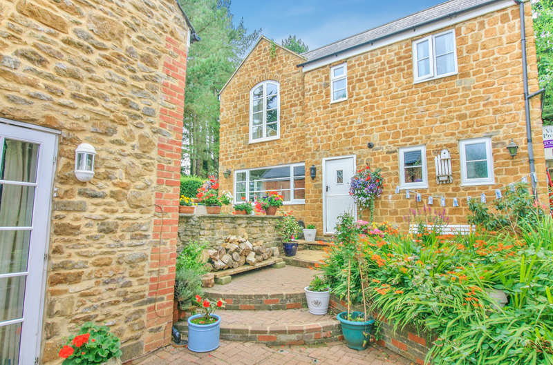 5 Bedrooms Cottage House for sale in Main Road, Swalcliffe
