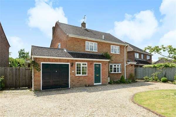 3 Bedrooms Detached House for sale in Northfield Road, Sherfield-on-Loddon, Hook, RG27