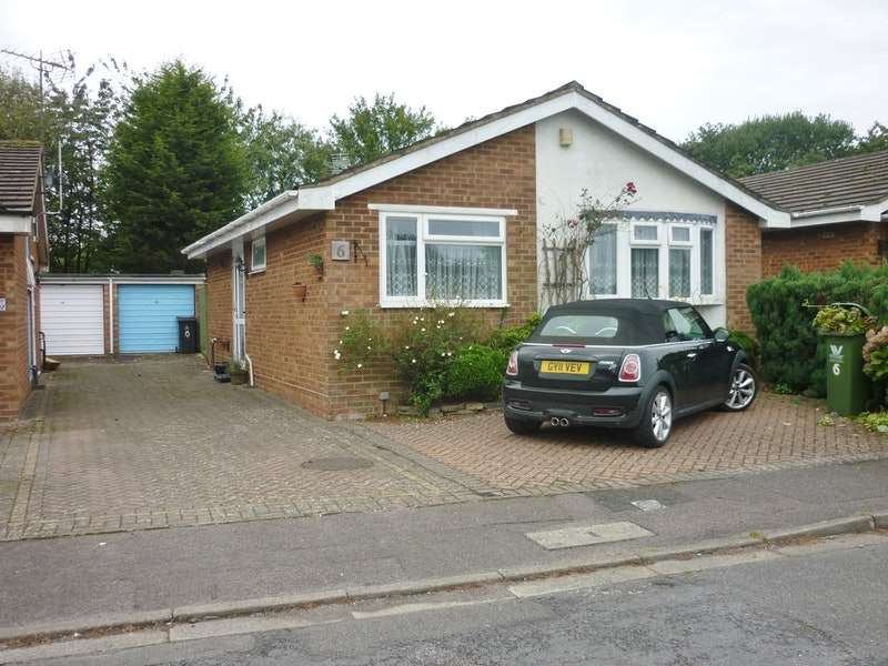 2 Bedrooms Bungalow for sale in Beech close, Stokenchurch, Buckinghamshire, HP14
