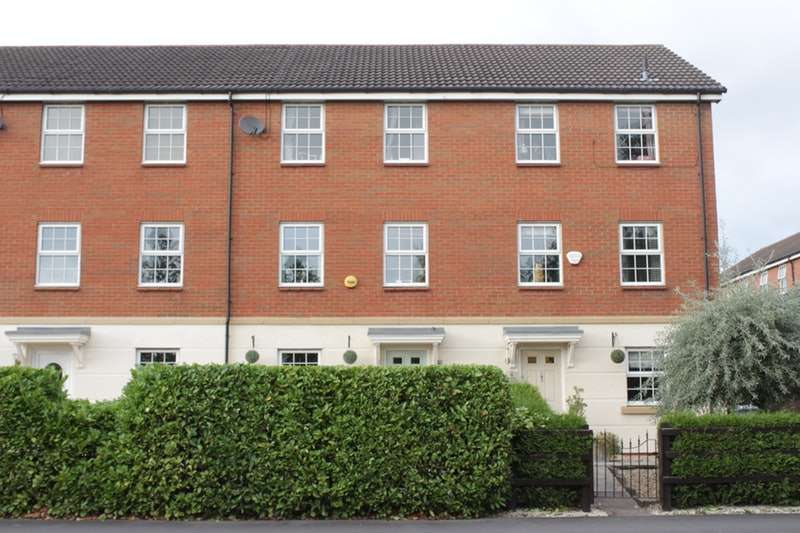 3 Bedrooms Town House for sale in Massey Close, Nantwich, Cheshire, CW5