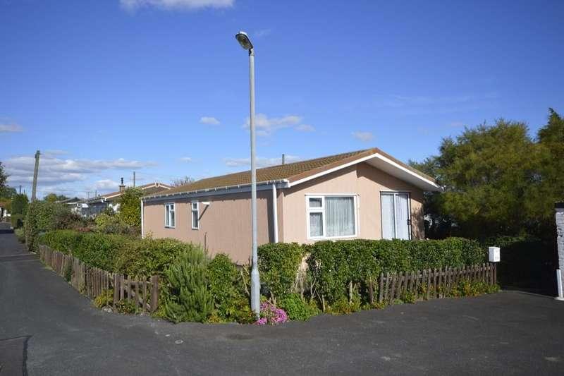 3 Bedrooms Detached Bungalow for sale in Hoo Marina Park Vicarage Lane, Hoo, Rochester, ME3