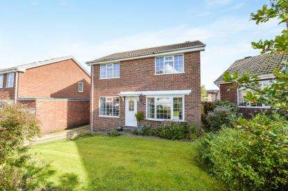4 Bedrooms Detached House for sale in Muncaster Way, Whitby, North Yorkshire
