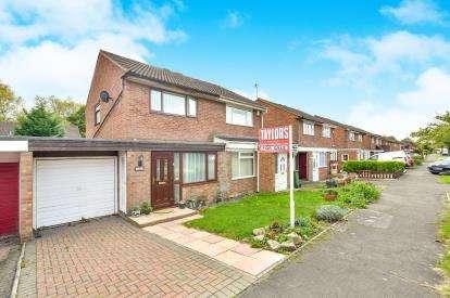 2 Bedrooms Semi Detached House for sale in Wallingford, Bradville, Milton Keynes, Buckinghamshire