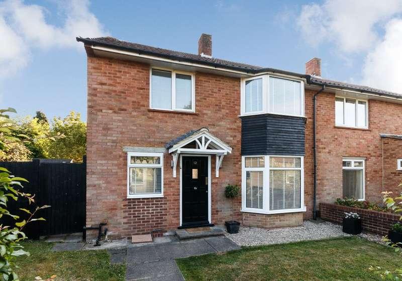 3 Bedrooms Semi Detached House for sale in Vincent Rise, Bracknell, Berkshire RG12