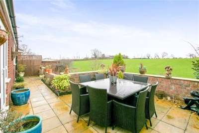4 Bedrooms House for rent in Shores Green Drive, Wincham, CW9