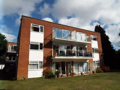 2 Bedrooms Flat for sale in 37 Cavendish Road, Bournemouth, Dorset