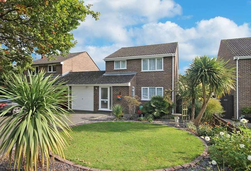 3 Bedrooms Detached House for sale in Rosehill Drive, Bransgore, Christchurch