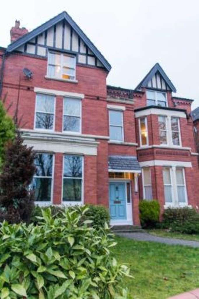 2 Bedrooms Flat for sale in Flat, 53 Ullet Road, L17 2AA