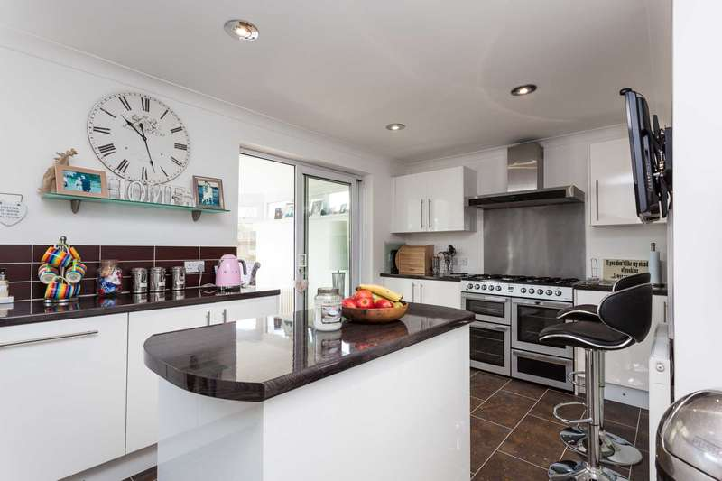 4 Bedrooms Semi Detached House for sale in Weald Road, Burgess Hill