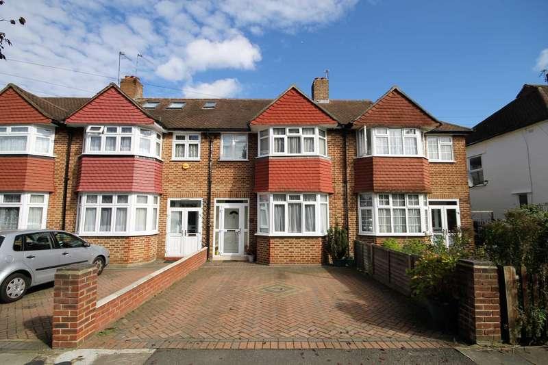 3 Bedrooms Terraced House for sale in Garth Road, Morden