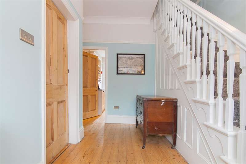 4 Bedrooms Semi Detached House for sale in Worsley Road, Eccles, Manchester, M30 8JN