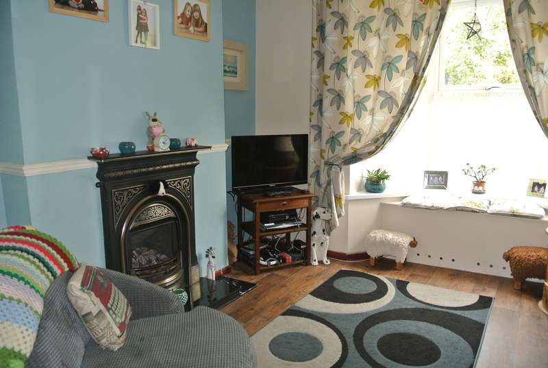3 Bedrooms Terraced House for sale in Vicarage Terrace, Abersychan, Pontypool, NP4