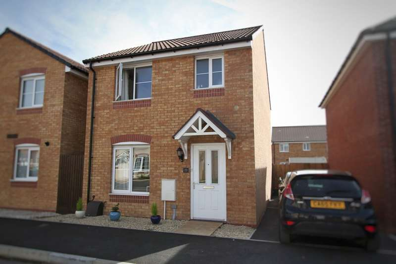 3 Bedrooms Detached House for sale in Spitfire Road, Rogerstone, Newport