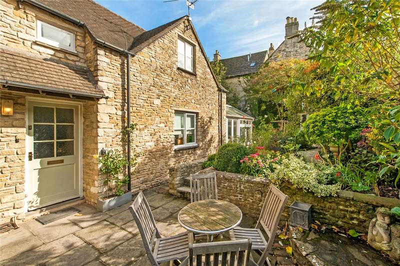 2 Bedrooms Mews House for sale in Church Street, Tetbury, GL8