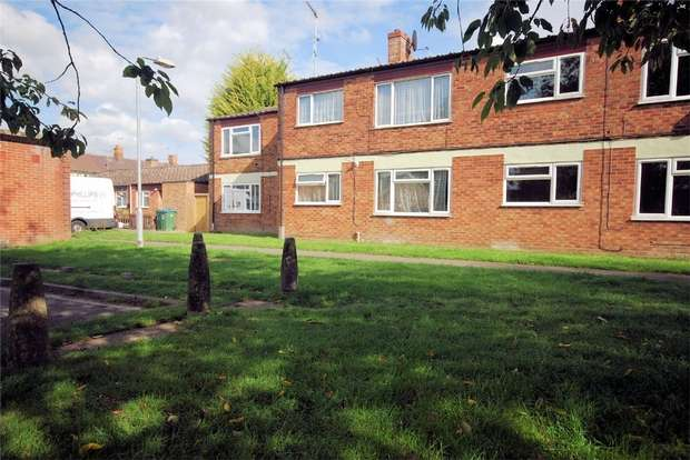 1 Bedroom Maisonette Flat for sale in Beaconsfield Road, Aston Clinton, Buckinghamshire