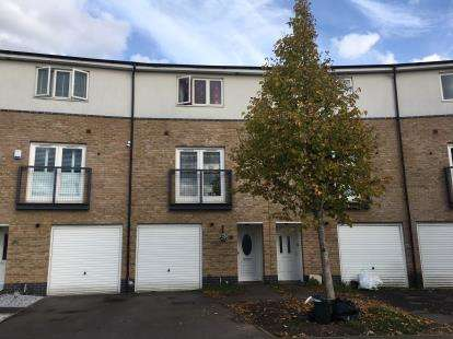 House for sale in Ballinger Way, Northolt, Middlesex