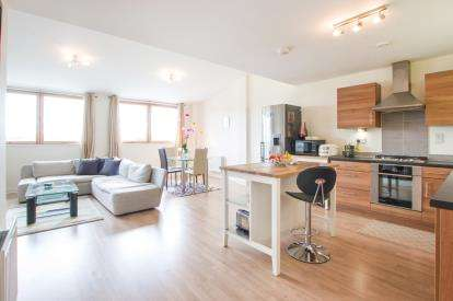 2 Bedrooms Flat for sale in Hannover Quay, Bristol