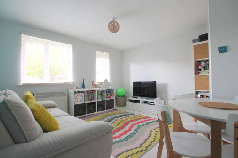 1 Bedroom Flat for sale in Shetland House, Watford