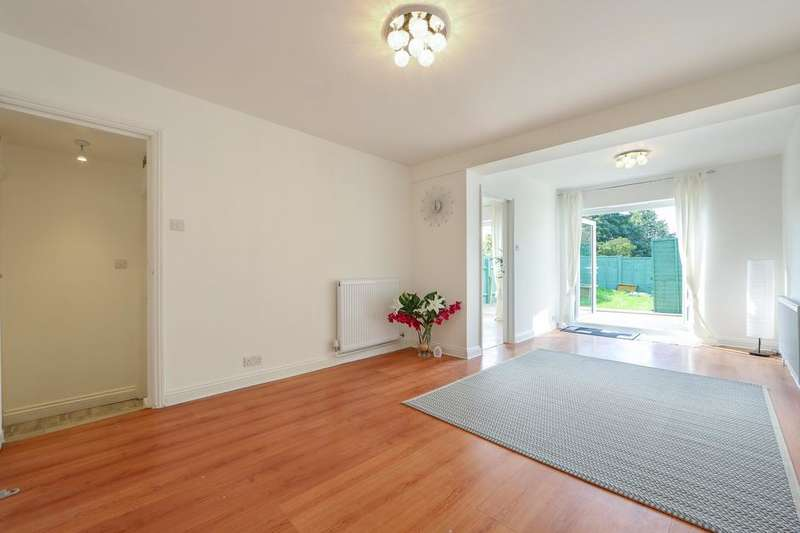2 Bedrooms Flat for sale in London Road, Mitcham CR4