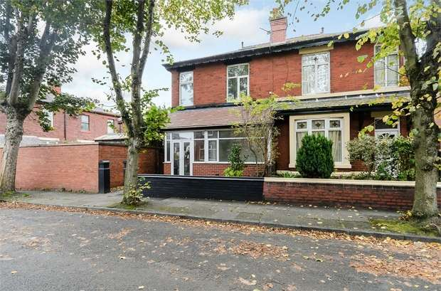 3 Bedrooms Semi Detached House for sale in Britain Street, Bury, Lancashire