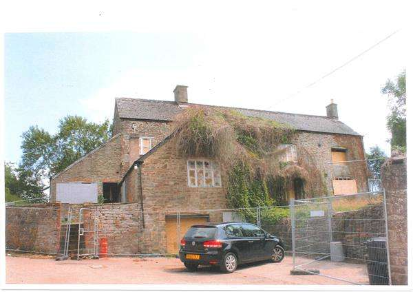 5 Bedrooms Farm House Character Property for sale in NAAS LANE, LYDNEY
