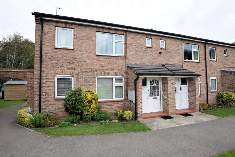 2 Bedrooms Apartment Flat for sale in Danes Dyke, Newby, Scarborough, North Yorkshire YO12 6UG