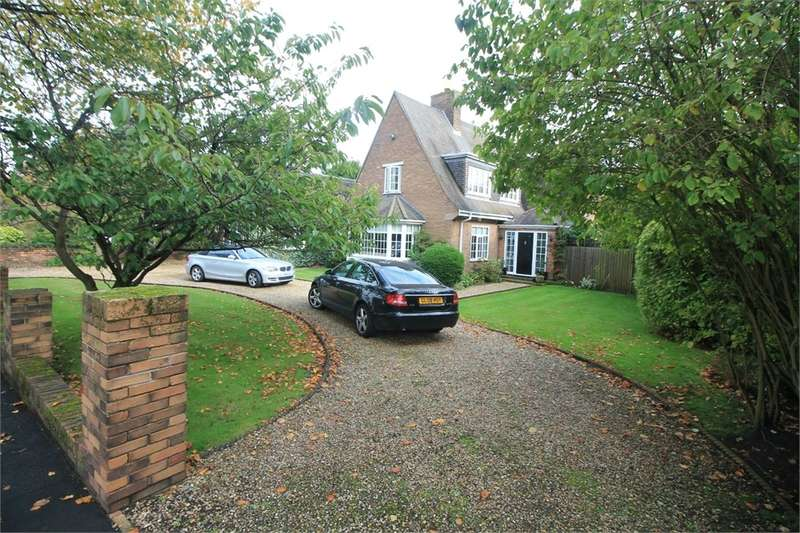 4 Bedrooms Detached House for sale in Far Moss Road, LIVERPOOL, Merseyside