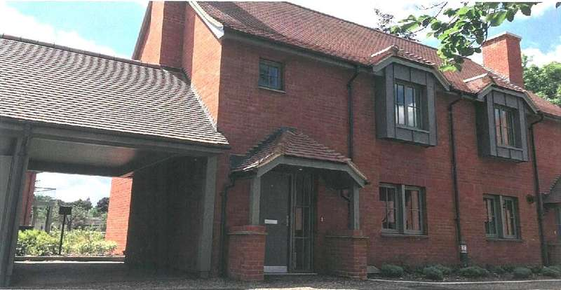 3 Bedrooms Semi Detached House for sale in Drury Close, Audley Chalfont Dene, Rickmansworth Lane, Chalfont St Peter, SL9