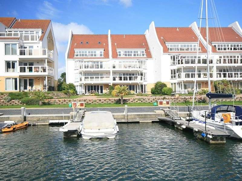 3 Bedrooms Apartment Flat for rent in Moriconium Quay, Lake Avenue, Poole