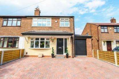 3 Bedrooms Semi Detached House for sale in Brackley Avenue, Cadishead, Manchester, Greater Manchester