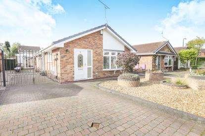 3 Bedrooms Bungalow for sale in Millwalk Drive, Penderford, Wolverhampton, West Midlands