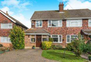 3 Bedrooms Semi Detached House for sale in Istead Rise, Gravesend, Kent