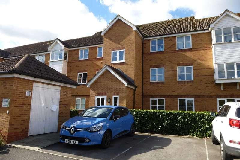 2 Bedrooms Flat for rent in Aspen Grove, Aldershot
