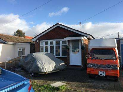 1 Bedroom Bungalow for sale in Canvey Island, Essex