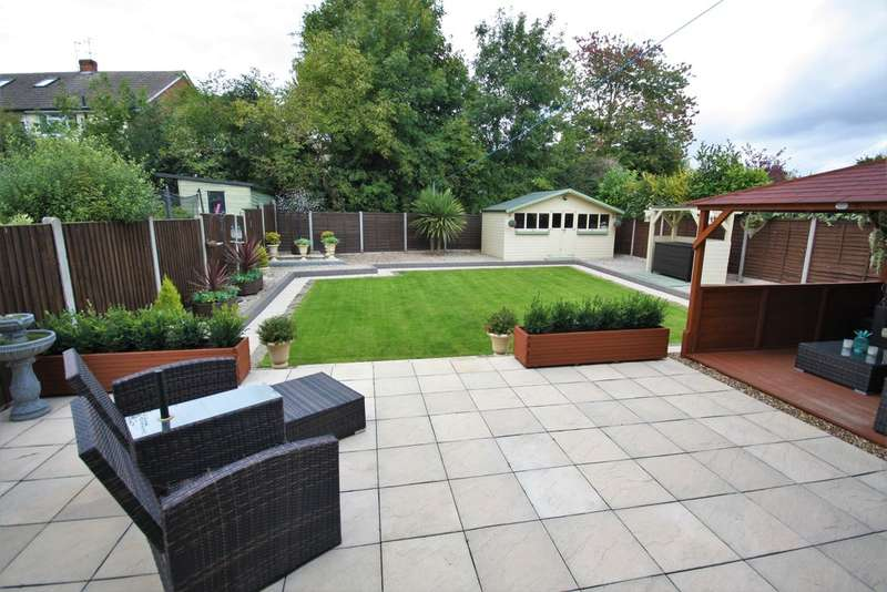 4 Bedrooms Detached House for sale in Broomfield, Chelmsford