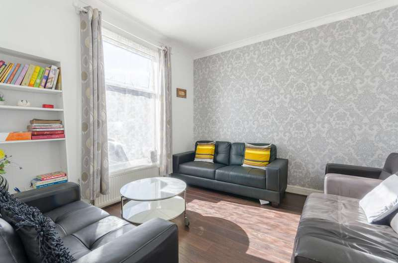 4 Bedrooms House for sale in Grange Road, Ilford, IG1