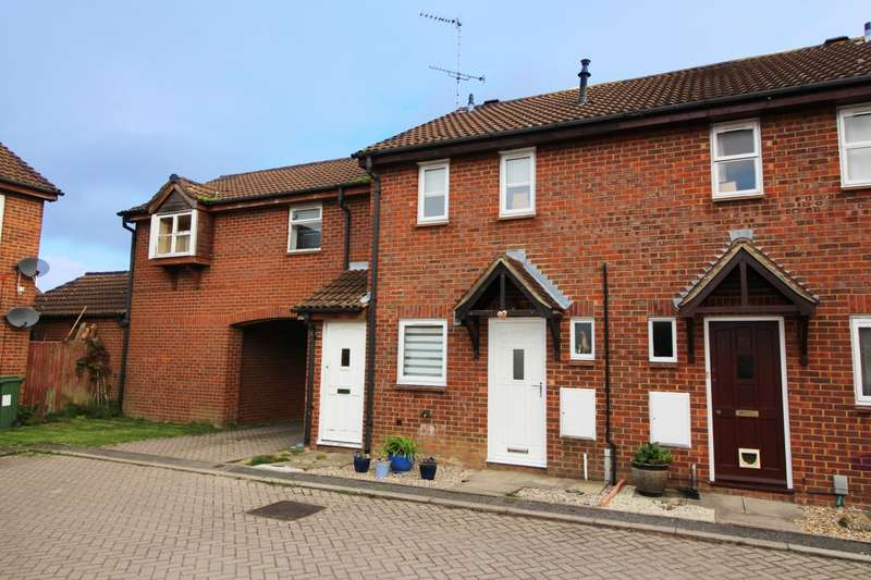 2 Bedrooms Terraced House for sale in Coppice Way, Aylesbury, HP20