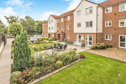 1 Bedroom Flat for sale in Bennett Court, Station Road, Letchworth Garden City, Hertfordshire